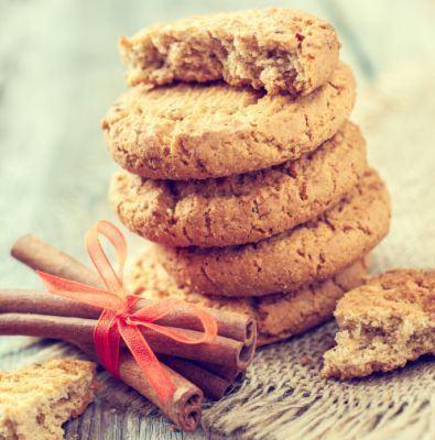Biscuiti digestivi cu miere si scortisoara