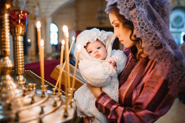 STUDIU: Copiii care merg la biserica vor fi adulti mai fericiti si mai puternici mental