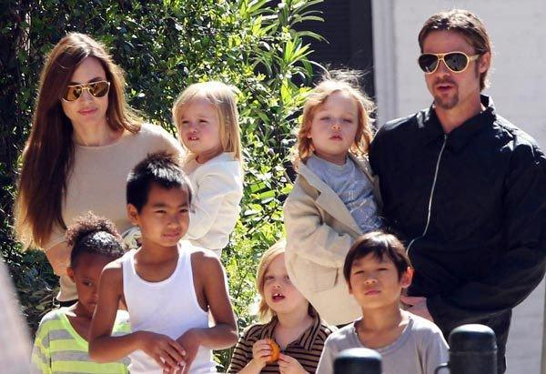 Angelina Jolie, cea mai frumoasa mamica