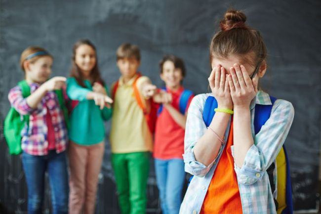 Cand gluma devine bullying. Bilantul pe care toti parintii trebuie sa-l faca vara aceasta