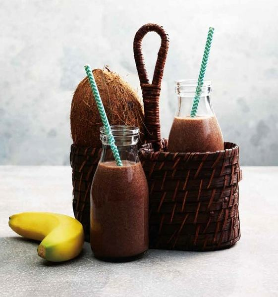 Milkshake de cocos, banane si cacao