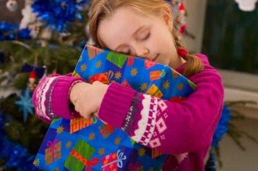 6 idei de cadouri de la Mos Craciun potrivite pentru un copil scolar