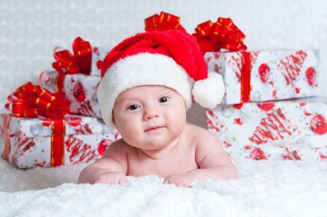 Cadouri de Craciun pentru nou-nascut