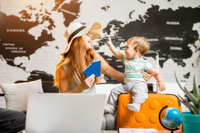 Sfaturi esentiale de care sa tii cont atunci cand calatoresti cu bebelusul
