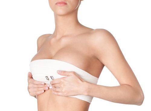 Sanatate femei. Medicului chirurg ginecolog: Cancerul de san boala cu cele mai multe victime in randul femeilor