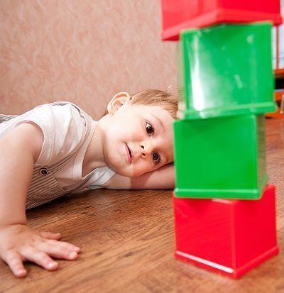 """Mamele, primele persoane care isi dau seama ca pot avea un copil cu autism. Semnele care """"tradeaza"""" tulburarea"""