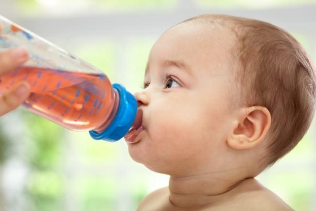 Este bine sa ii dai ceai de musetel bebelusului?