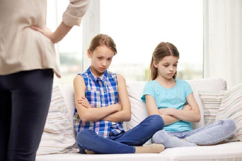 """NICIODATA sa nu spui: """"Asteapta sa vina tatal tau si o sa vezi tu"""""""
