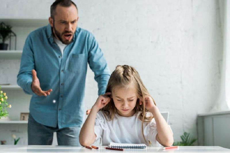 NU are JUSTIFICARE: Nu vorbi niciodata urat copilului tau