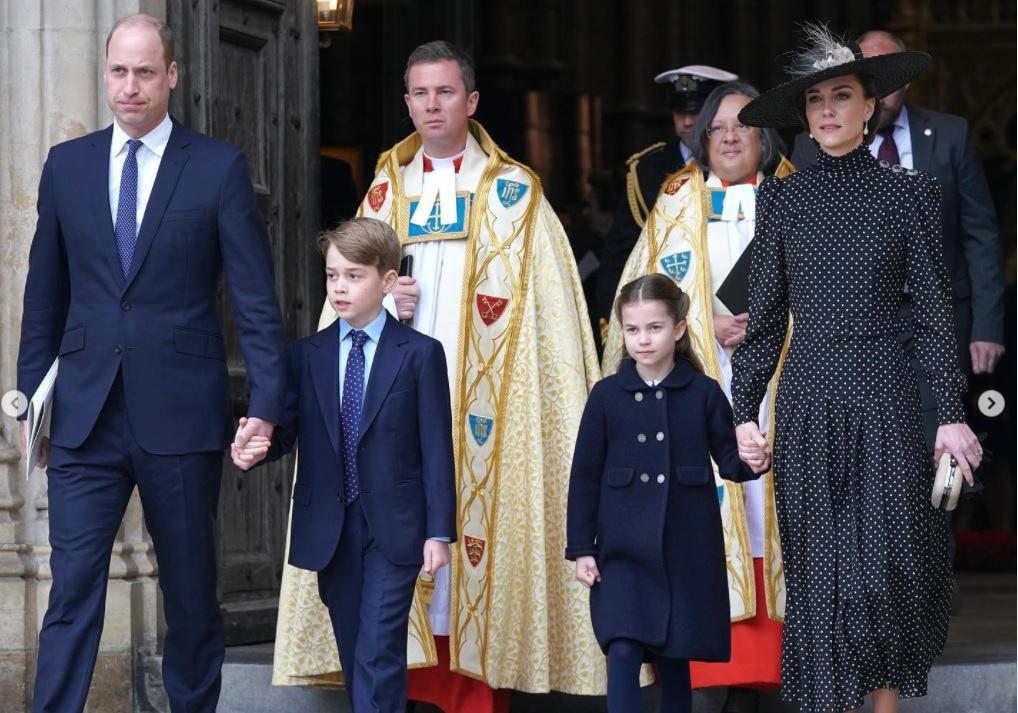 """Kate Middleton, insarcinata?Printesa Charlotte le-a divulgat colegilor cel mai mare secret.""""Mami are un copil"""""""