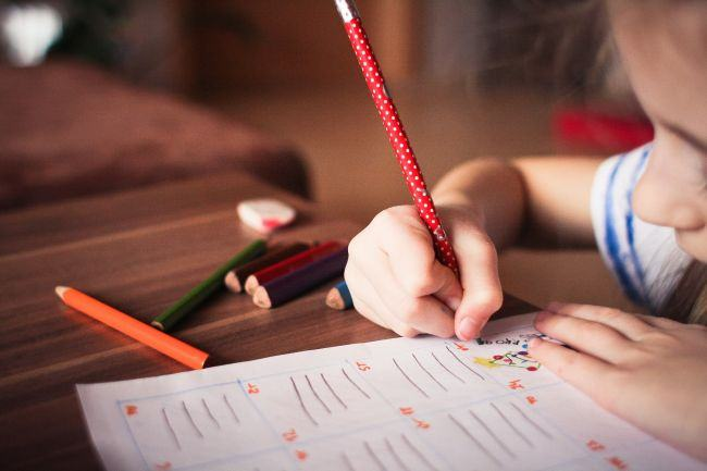 Dispar programul after-school si meditatiile cu proprii elevi