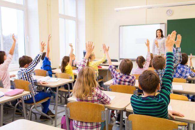 Prea multi copii in clasa! Cat de sanatoase sunt clasele cu multi elevi?