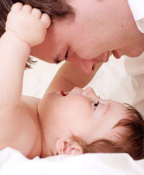 Cum comunica copilul la 1-3 luni