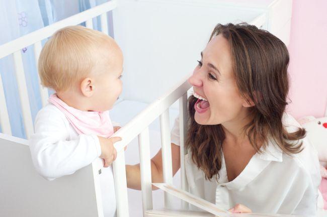 Importanta contactului vizual pentru bebelusi