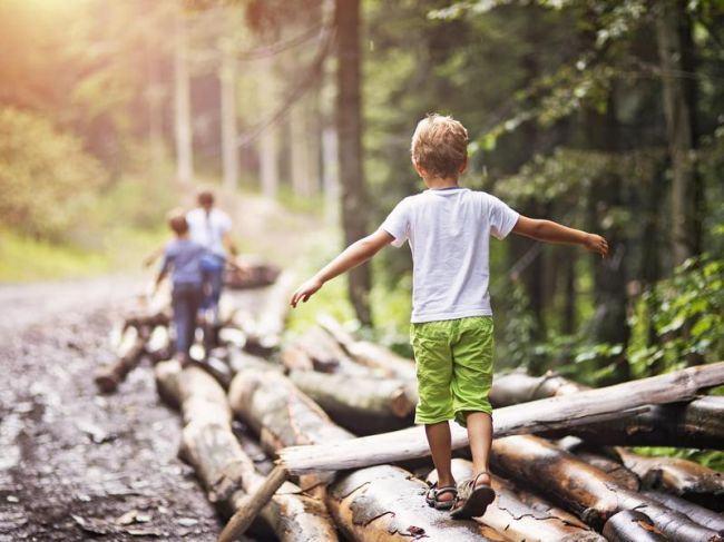 Copiii de azi au nevoie de adulti care sa stie sa isi asume responsabilitati. Sfatul psihologului