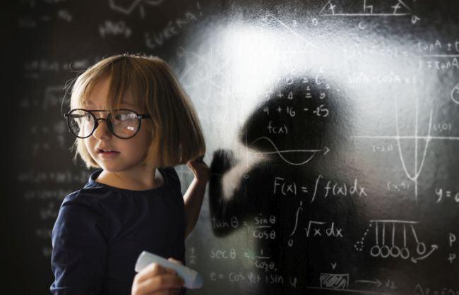 5 caracteristici ale copiilor supradotati