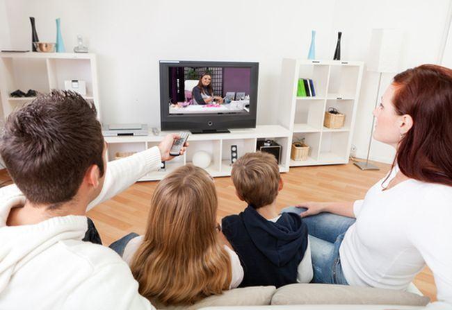De la ce varsta poti lasa copilul la televizor