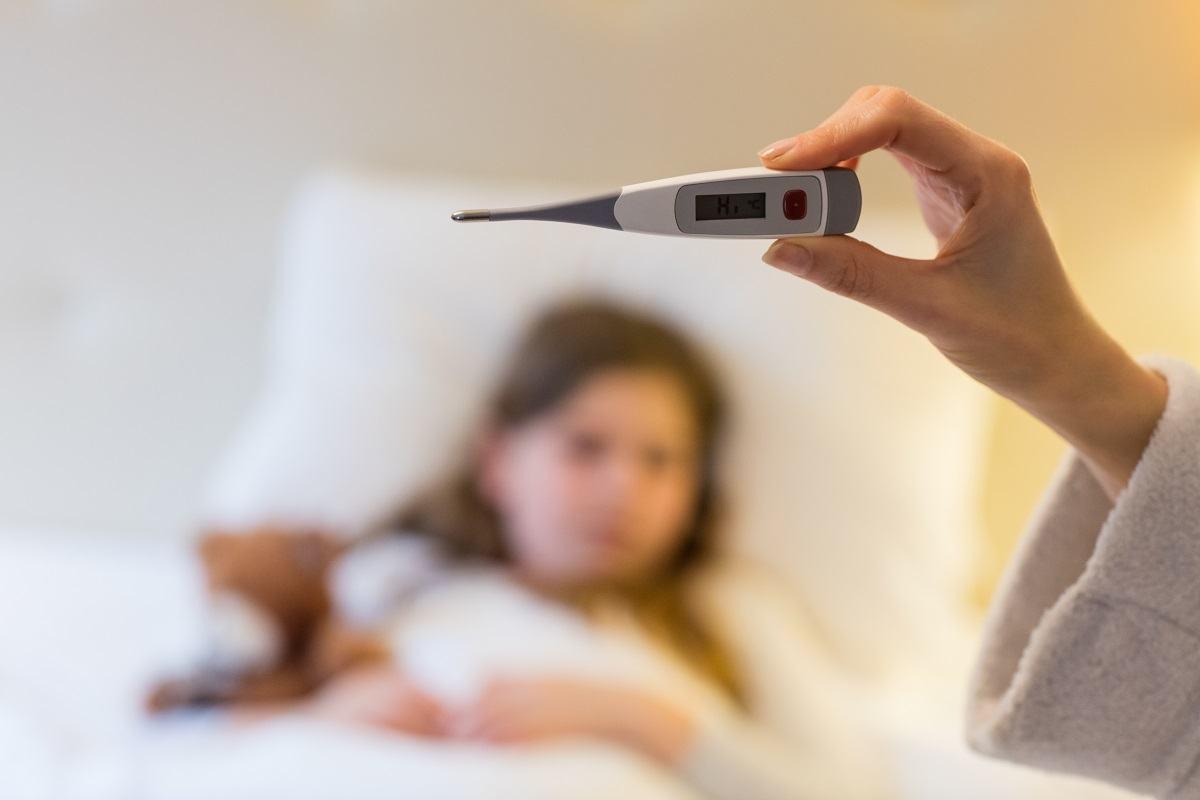 Ce se intampla daca copilul tuseste sau face febra in timpul carantinei?