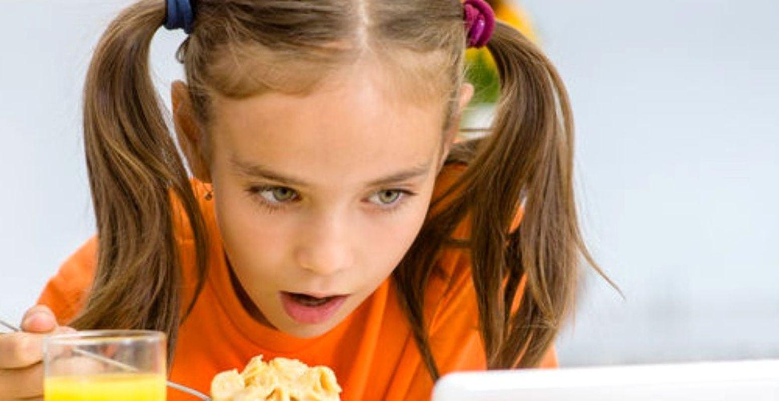 Copilul tau este dependent de tableta? Ce trebuie sa stii