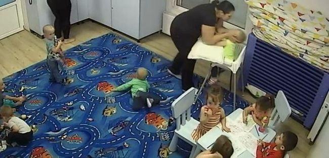 VIDEO. Fiica unui fost fotbalist, acuzata ca a batut un copil pana i-a rupt piciorul. Parintii cer 500.000 de euro