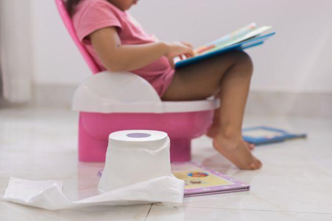 Cum iti ajuti copilul cand este constipat
