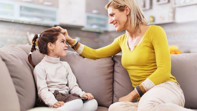 Oricat de dificil ar fi un copil, nu inceta sa ii vorbesti cu dragoste