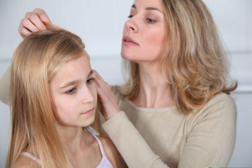 9 mituri despre loviturile copiilor la cap