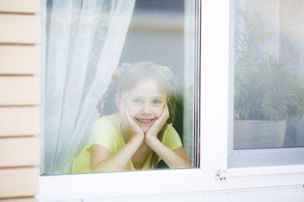 Cand este pregatit copilul sa ramana singur acasa si ce trebuie sa stie