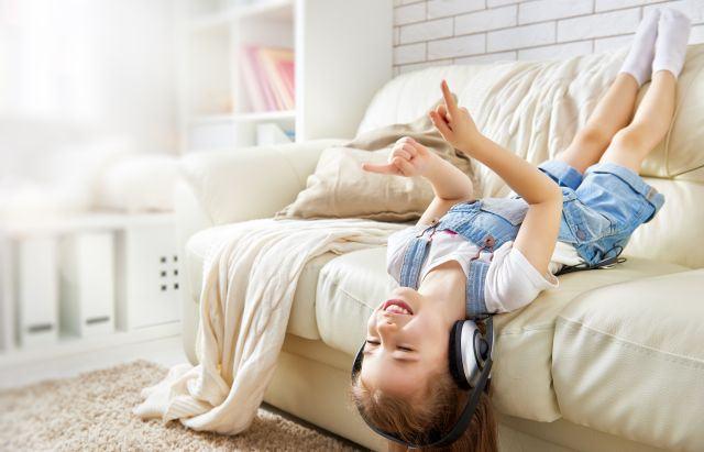 De la ce varsta poate ramane copilul singur acasa, in siguranta?