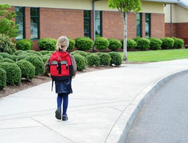 De la ce varsta copilul poate sa mearga singur la scoala?