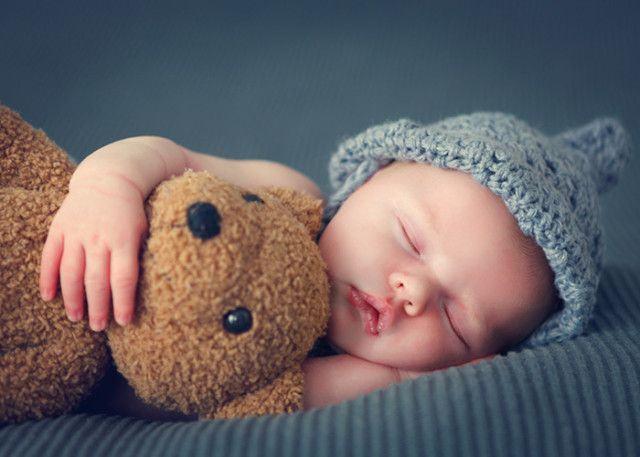 La sase luni, 38% din bebelusi nu dorm 6 ore la rand pe timpul noptii