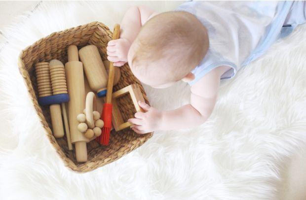 Idei de activitati senzoriale pentru bebelusi