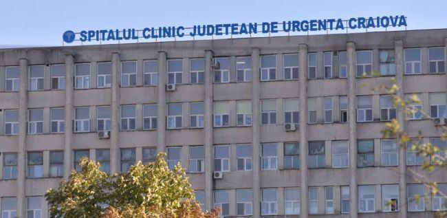 Doi medici de la spitalul din Craiova, acuzati ca au cerut spaga pentru a opera un copil