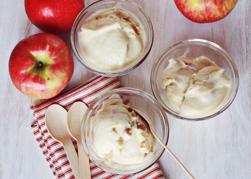 Crema de mere coapte cu piscoturi