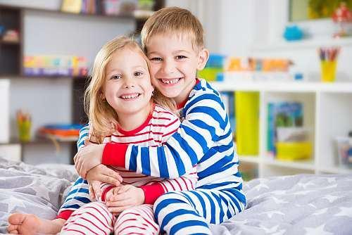 Trebuie sa ii invatam pe copii sa imparta?
