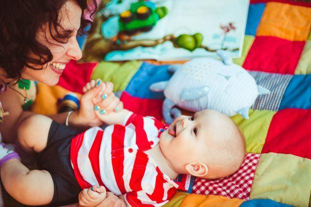 Cum sa faci cumparaturi inteligente cand ai un bebelus. 4 sfaturi de la parinti pentru parinti