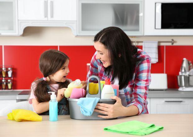 3 locuri din bucataria ta unde se acund cele mai multe bacterii si solutiile pentru a le elimina
