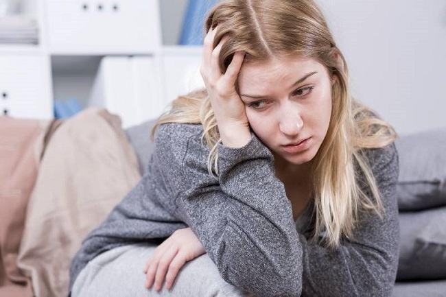 Fotografii sincere ale unei mame care arata lupta sa cu depresia postpartum