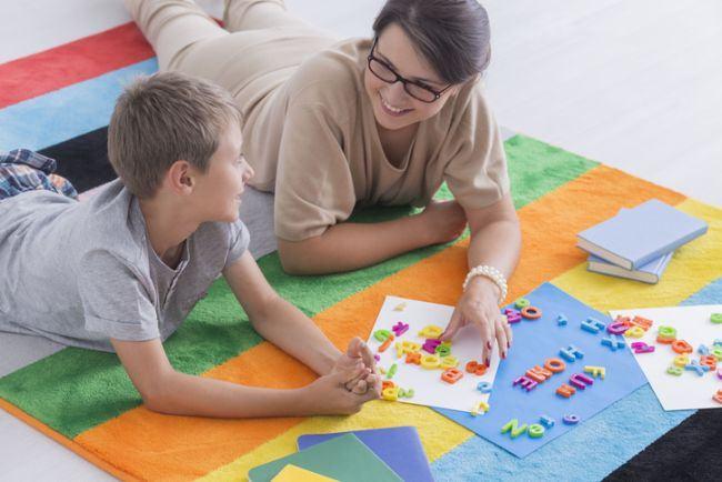 Cum asculta copiii in functie de varsta si cum isi dezvolta limbajul