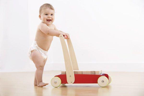 Dezvoltarea mersului la copii, in functie de varsta