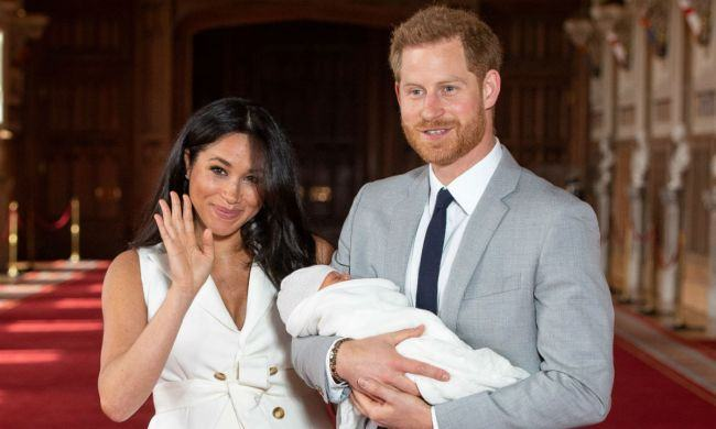 """De """"Ziua Mamei"""", Ducii de Sussex au postat o noua poza cu fiul lor. Tribut adus printesei Diana"""