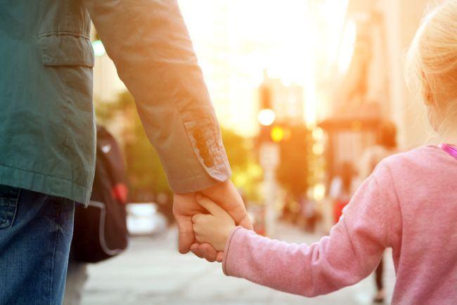 Eu, tu, al meu si al tau: Cand si cum pregatim intalnirea copilului cu un nou partener?