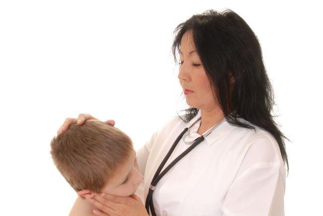 Cum sa recunosti semnele de meningita la copii