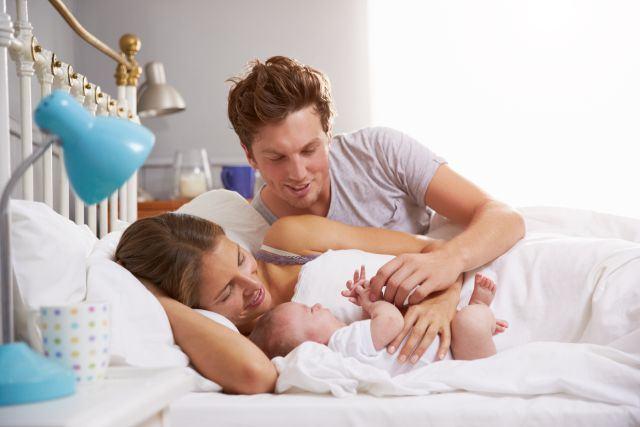 Cat de sanatos e sa dormi cu copilul in pat?