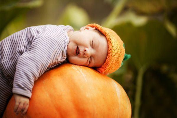 Halloween, sculpteaza cu micutul tau dovleci cu personalitate!