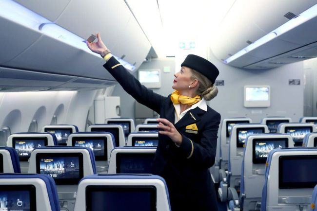 A fost angajata prima stewardesa cu sindromul Down