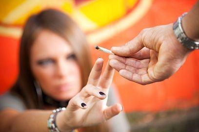 Semne care pot indica consumul de droguri la adolescenti