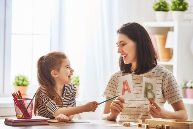 12 valori pentru educatia copiilor nostri. O valoare pentru fiecare luna a anului