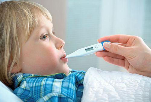 Copilul are febra. Cand este cazul sa-ti faci griji?