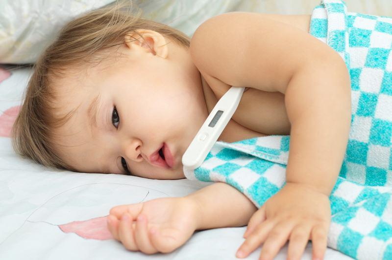 Febra la bebelusi si copii – cand devine motiv de ingrijorare